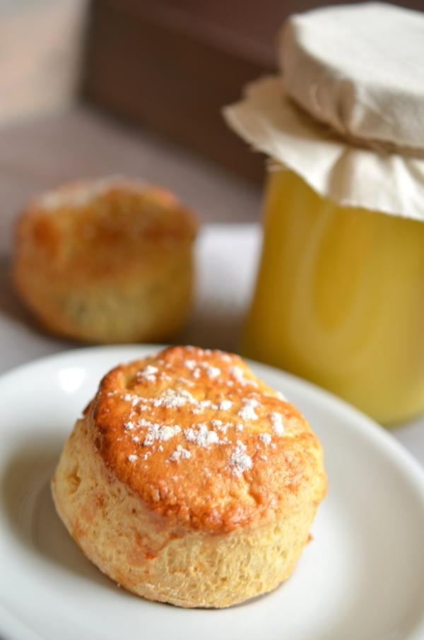 afternoon tea mit scones und lemon curd rh eintopf. Black Bedroom Furniture Sets. Home Design Ideas