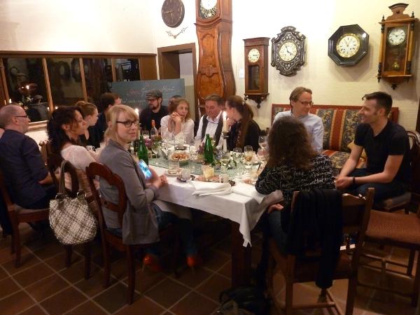 Die Gäste des Magic Garden Supper Club