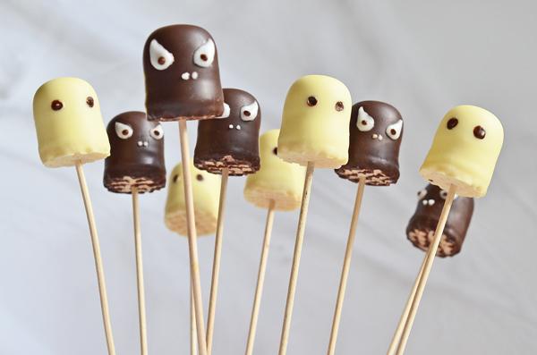 Idee Fürs Buffet Der Halloween Party: Gespenster Und Monster Aus  Schokoküssen ...