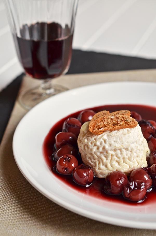 Das beste Weihnachtsdessert der Welt: Crottin de Chavignol mit Rotwein-Kirschen (Süß trifft Käse)
