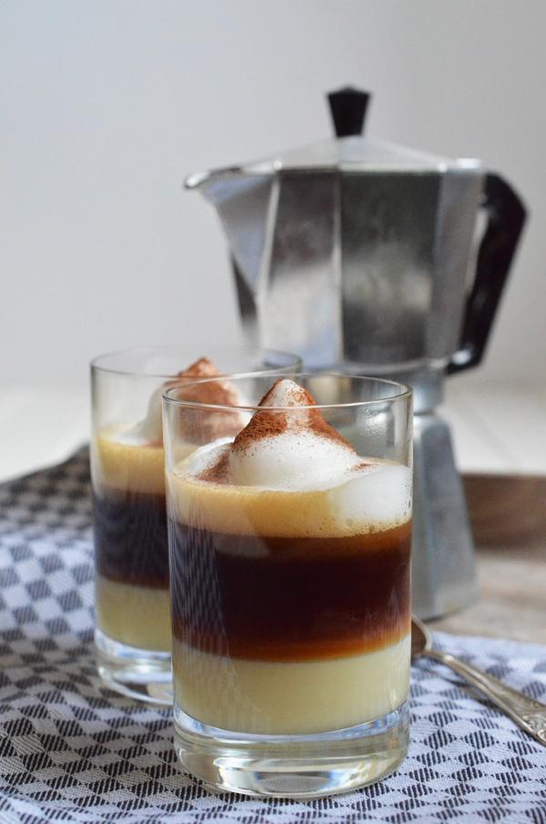 Barraquito - eine Kaffespezialitä aus Teneriffa mit Lico 43 (Cuarenta y Tres)