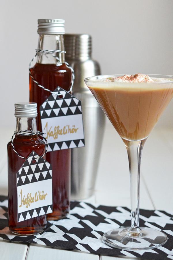 Rezept für selbstgemachten Kaffeelikör und einen leckeren Cocktail
