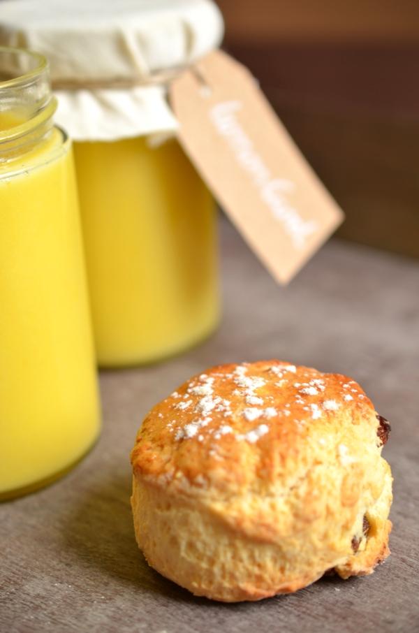 Scones mit Lemon Curd