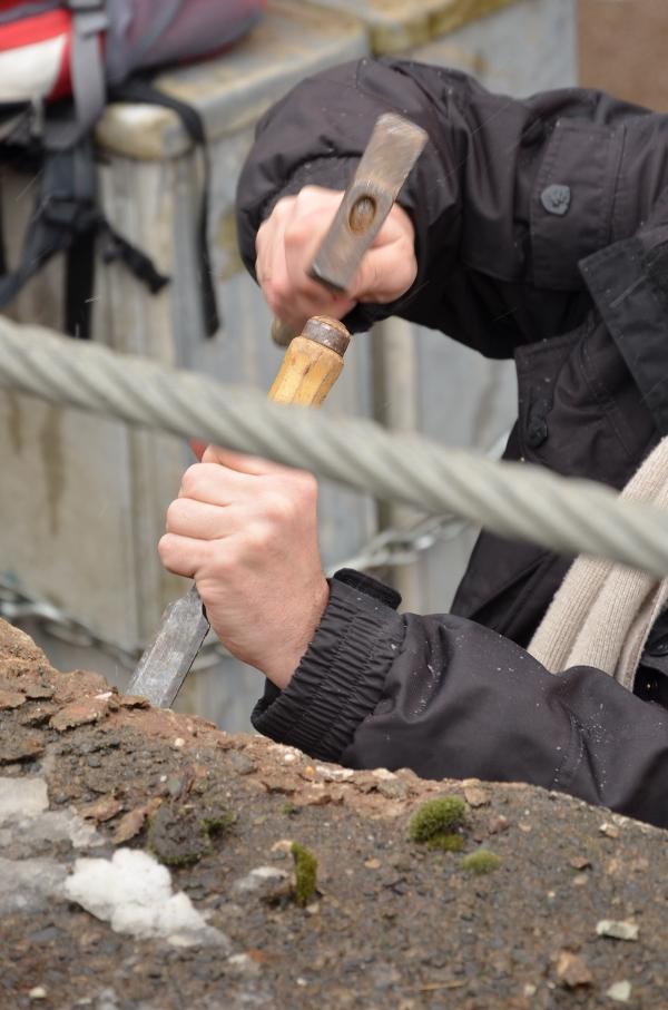 Mauerspechte auf dem Düsseldorfer Tausendfüßler