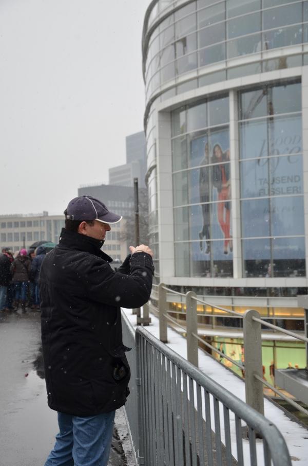 Fotograf auf dem Düsseldorfer Tausendfüßler