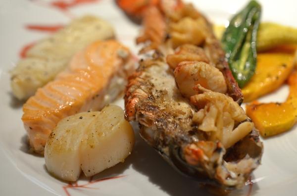 Fisch und Meeresfrüchte im Restaurant Benkay Teppanyaki im Hotel Nikko Düsseldorf