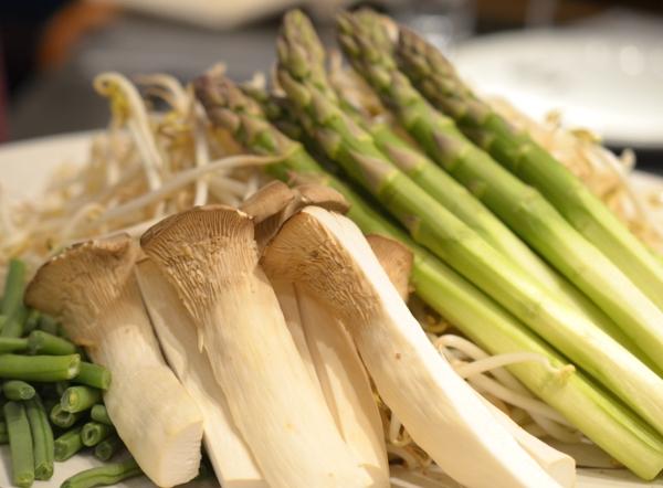 Frisches Gemüse im Restaurant Benkay Teppanyaki im Hotel Nikko Düsseldorf