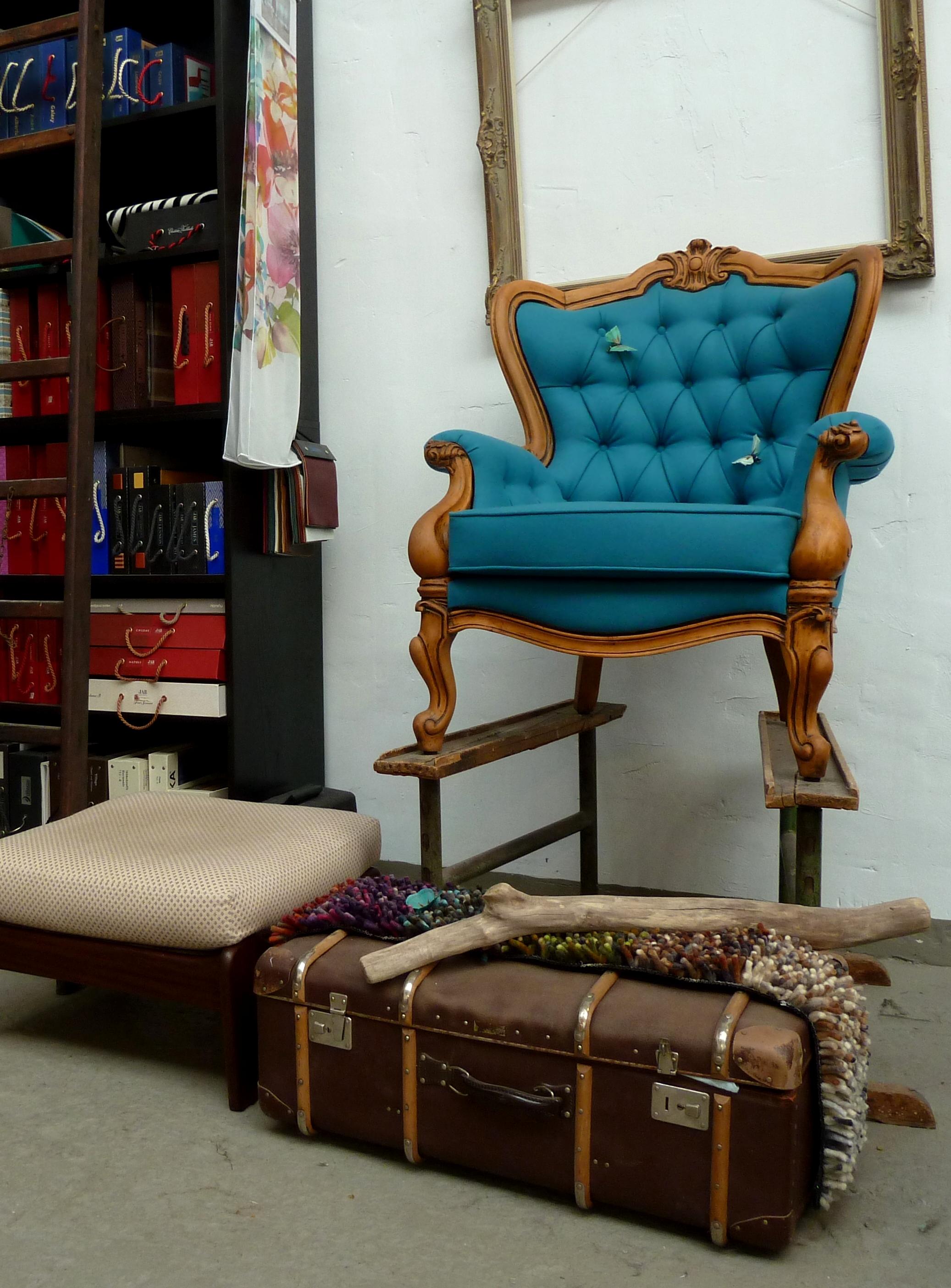 Alter Sessel neu aufgepolstert und bezogen
