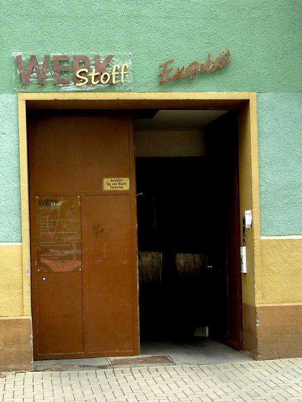 Eingang Fröbelstraße 13 in Köln-Ehrenfeld