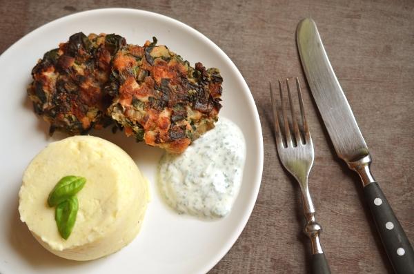 Hauptegericht: Lachs-Mangold-Buletten mit Kartoffel-Meerettich-Stampf - 1