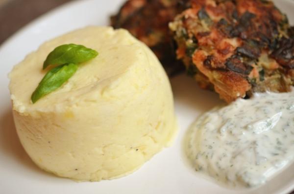 Hauptegericht: Lachs-Mangold-Buletten mit Kartoffel-Meerettich-Stampf - 2