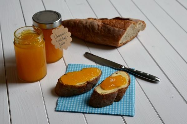 Orangen-Whiskey-Gelee auf Brot