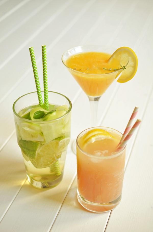 Sommer-Cocktails: Rhubarb-Fizz, Cucumber & Lime Collins und Summer Kiss