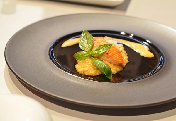 Quinoa Risotto mit Azapa Oliven und Lachs