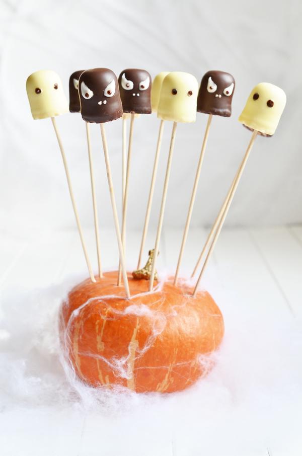 Schokuss-Gespenster für die Halloween-Party