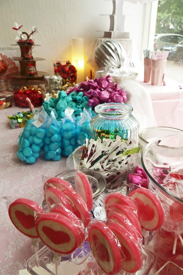 Julie's Cakes - Lutscher und Bonbons