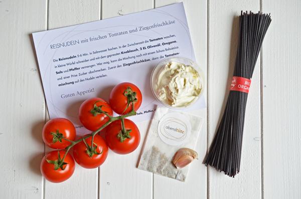 Abendtüte: Rezept und Zutaten für Reisnudelln mit Tomaten und Ziegenfrischkäse