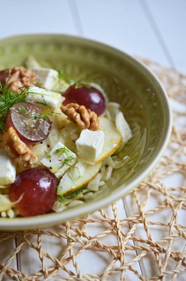 Fenchelsalat mit Trauben und Feta