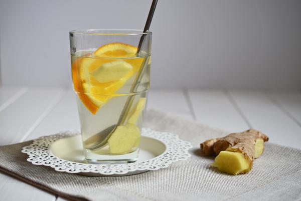 selbstgemachter Ingwer-Orangen-Tee