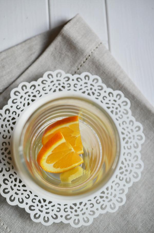 Zubereitung von Ingwer-Orangen-Tee