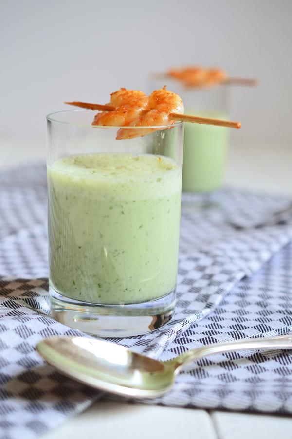Statt Suppe: Bärlauch-Kaltschale mit Joghurt und Garnelen