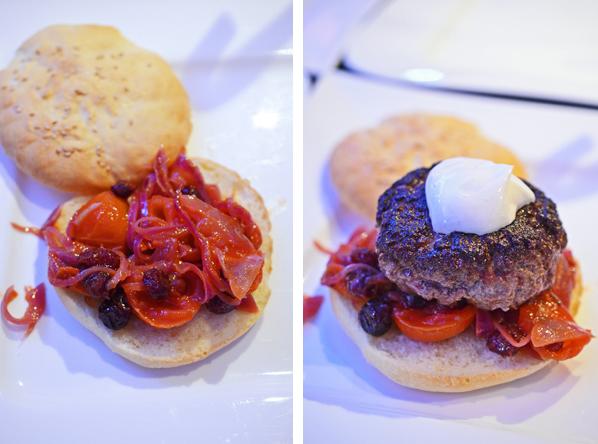 Bisonburger mit Zwiebel-Tomatenmischung