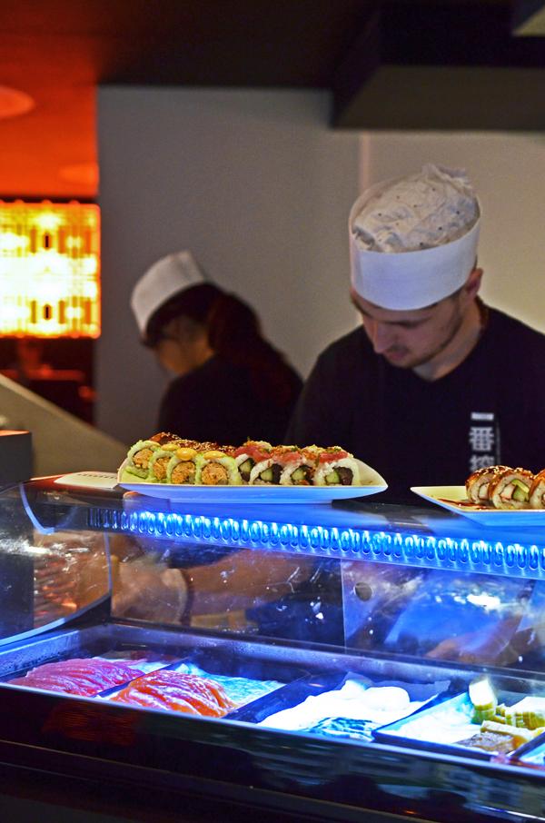 Offene Küche in der Tokyo Lounge, Düsseldorf