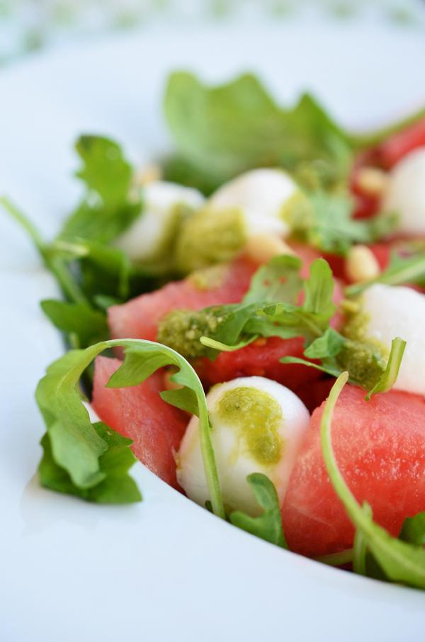 Melonen-Mozarella-Salat mit selbstgemachtem Basilikumpesto