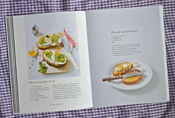 """Rezept für Erbsen-Ziegenkäse-Butterbrot mit Ei aus """"100 Butterbrote"""""""