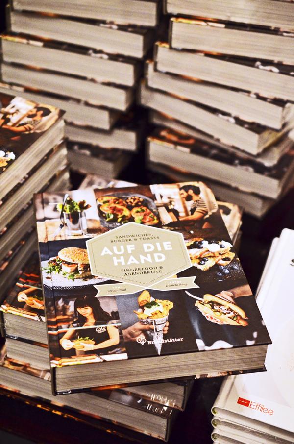 """Stevan Pauls neues Streetfood-Kochbuch """"Auf die Hand"""""""