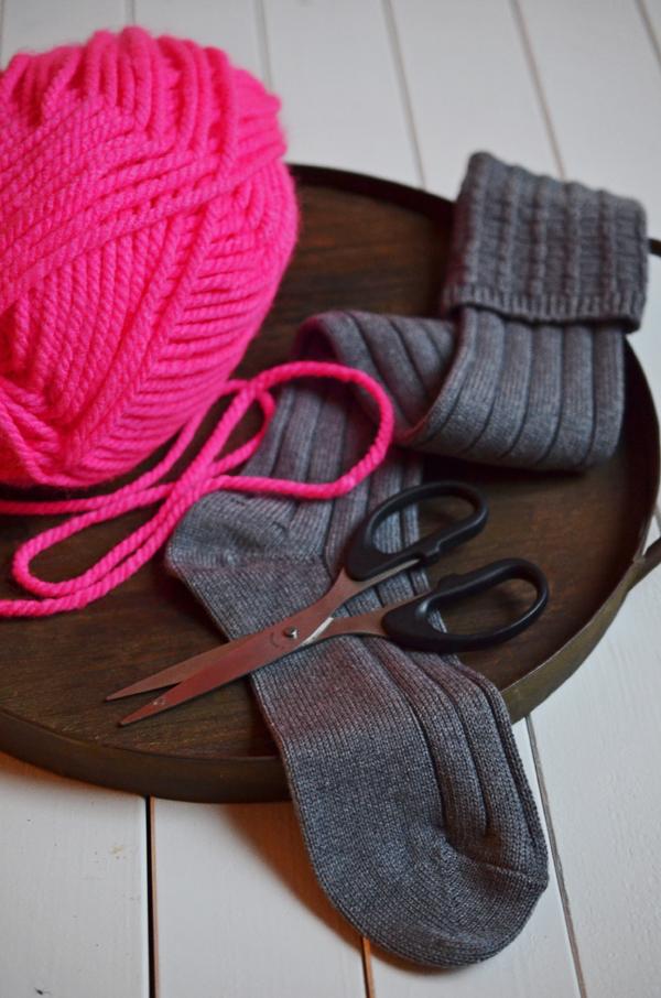 Selbstgemachte Glasstulpen aus Wolle - das braucht ihr für die Glaswärmer