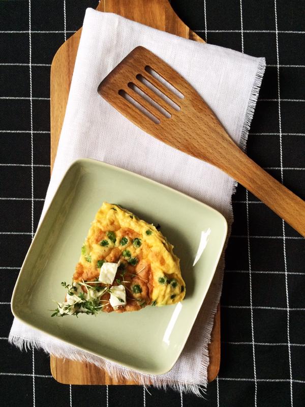 Lowcarb: Erbsen-Schafskäse-Frittata