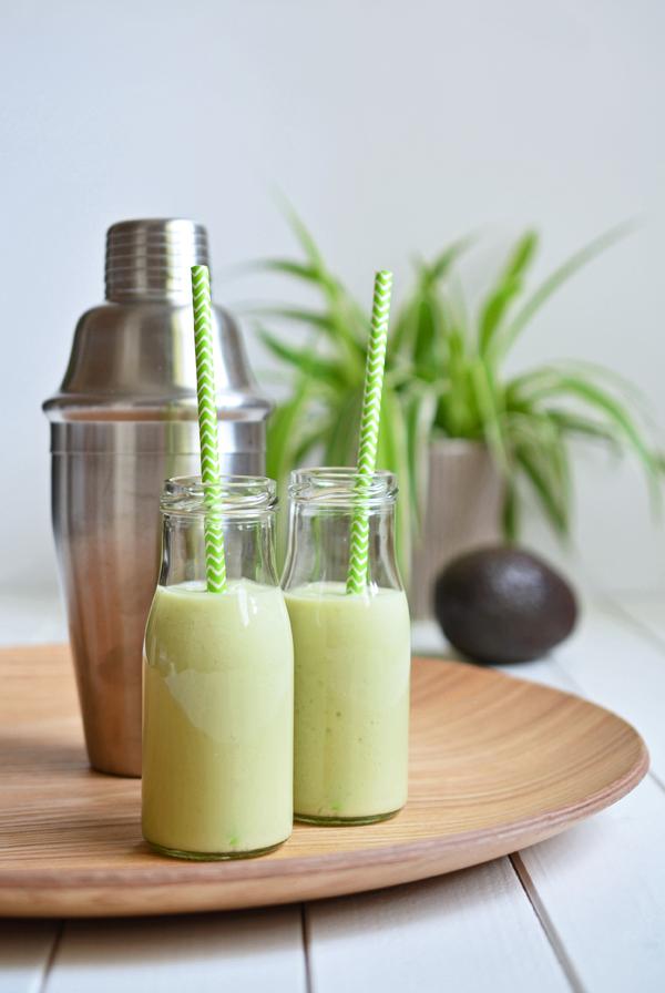 Acovad-Smoothie mit Kokoswasser