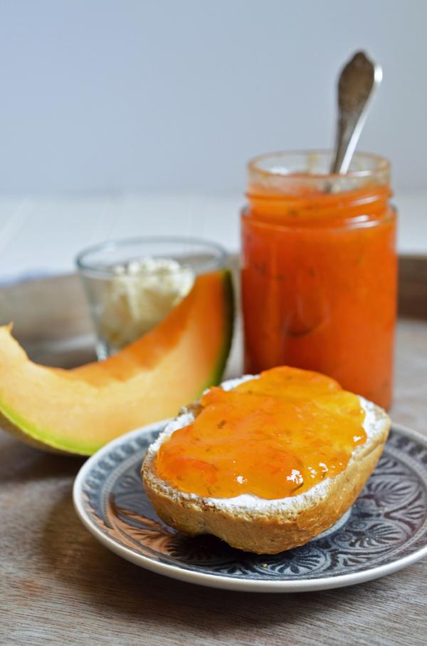 Sommer im Glas: Melonen-Tomaten-Konfitüre mit einem Hauch Rosmarin