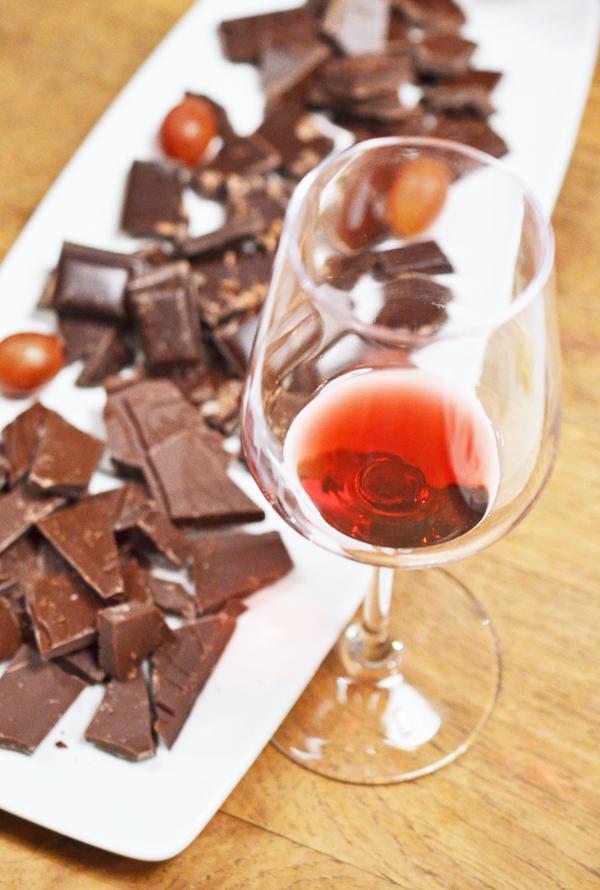 Welcher Wein passt zum Essen? Hier Rotwein zur Schokolade