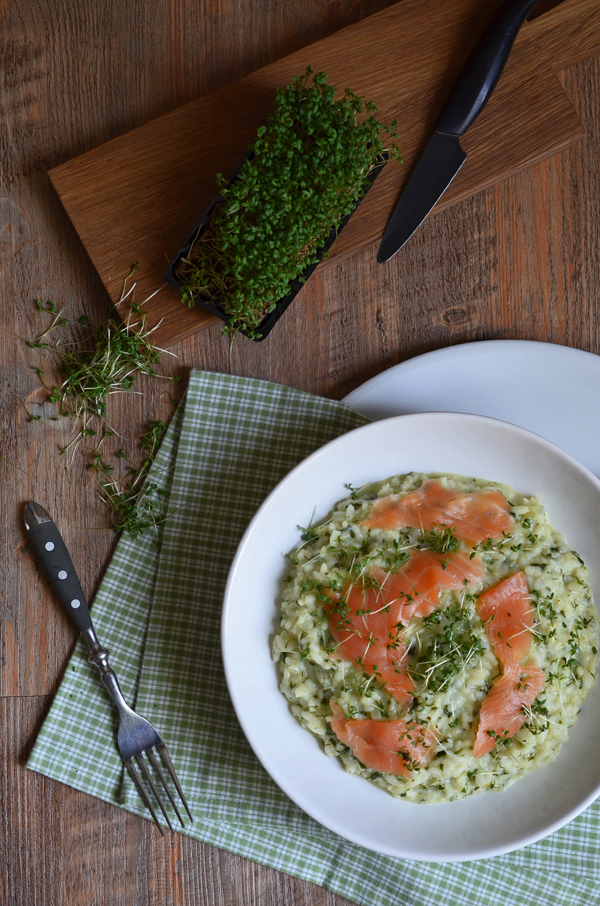 Kräuterrisotto mit Lachs: das perfekte Hauptgericht für ein Frühlingsmenü