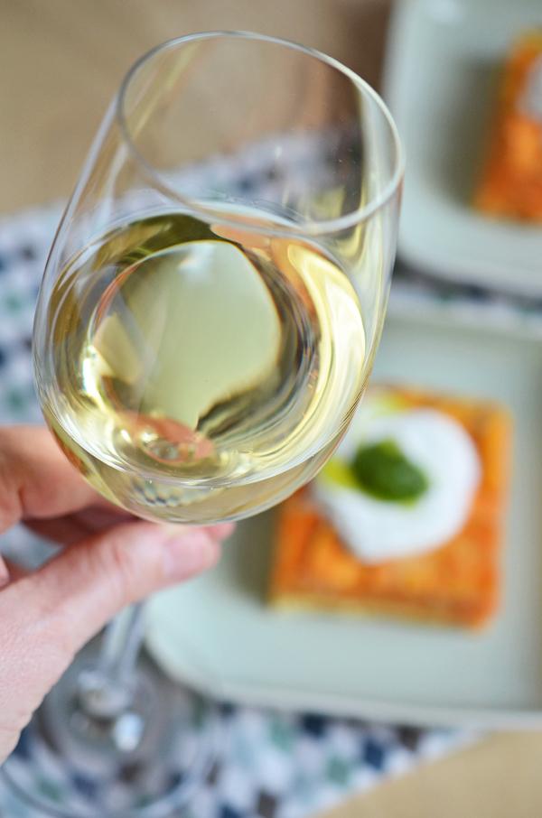 Der Riesling Juwel vom Weingut Eller passt perfekt zur Süßkartoffel-Tortilla