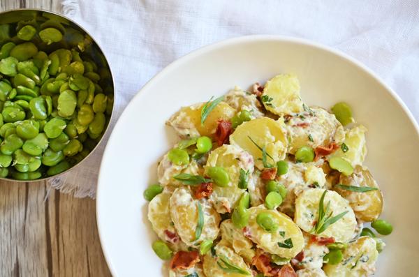 Gourmet-Kartoffelsalat mit Dicken BOhnen, Bacon und Estragon