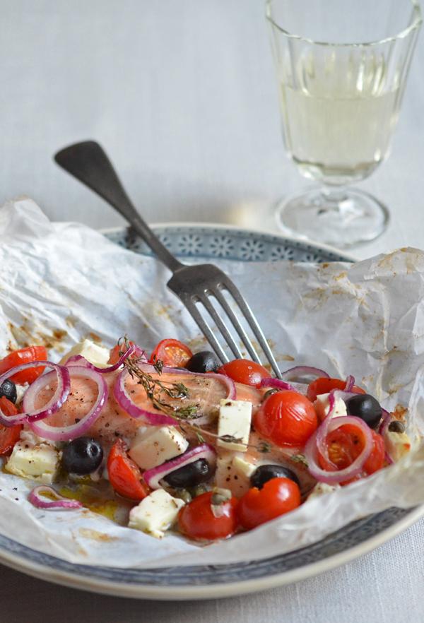 Fisch im Ofen: Im Pergamentpäckchen kocht der Lachs quasi von alleine...